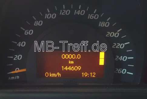 Tipps-tricks | Mercedes C-Sportcoupe / CLC (cl203) | Batteriespannung und Generatorspannung prüfen: Bild 1