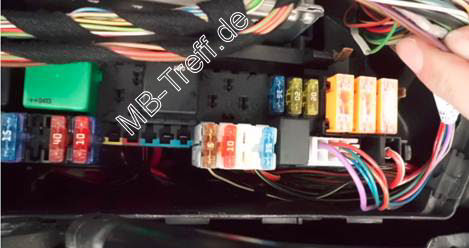 How To Repair Front Fuse Box 2008 C300 additionally Mercedes 350 3 7 Engine Diagram as well 2005 2010 Volkswagen Jetta Interior Fuse Check 2010 additionally Mercedes Sprinter Van Glow Plug Relay Location as well W203 Fuse Box. on fuse box for mercedes c300